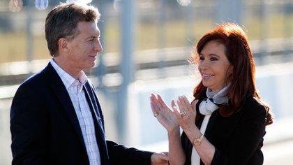 Mauricio Macri y Cristina Kirchner siguen teniendo mayor imagen negativa que positiva (NA)