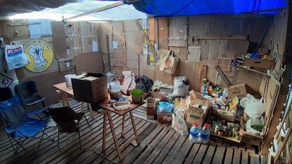 Las provisiones que van recibiendo y acopiando los docentes. El año pasado acamparon 41 días. Este año el acampe frente al Ministerio de Educación ya lleva 55