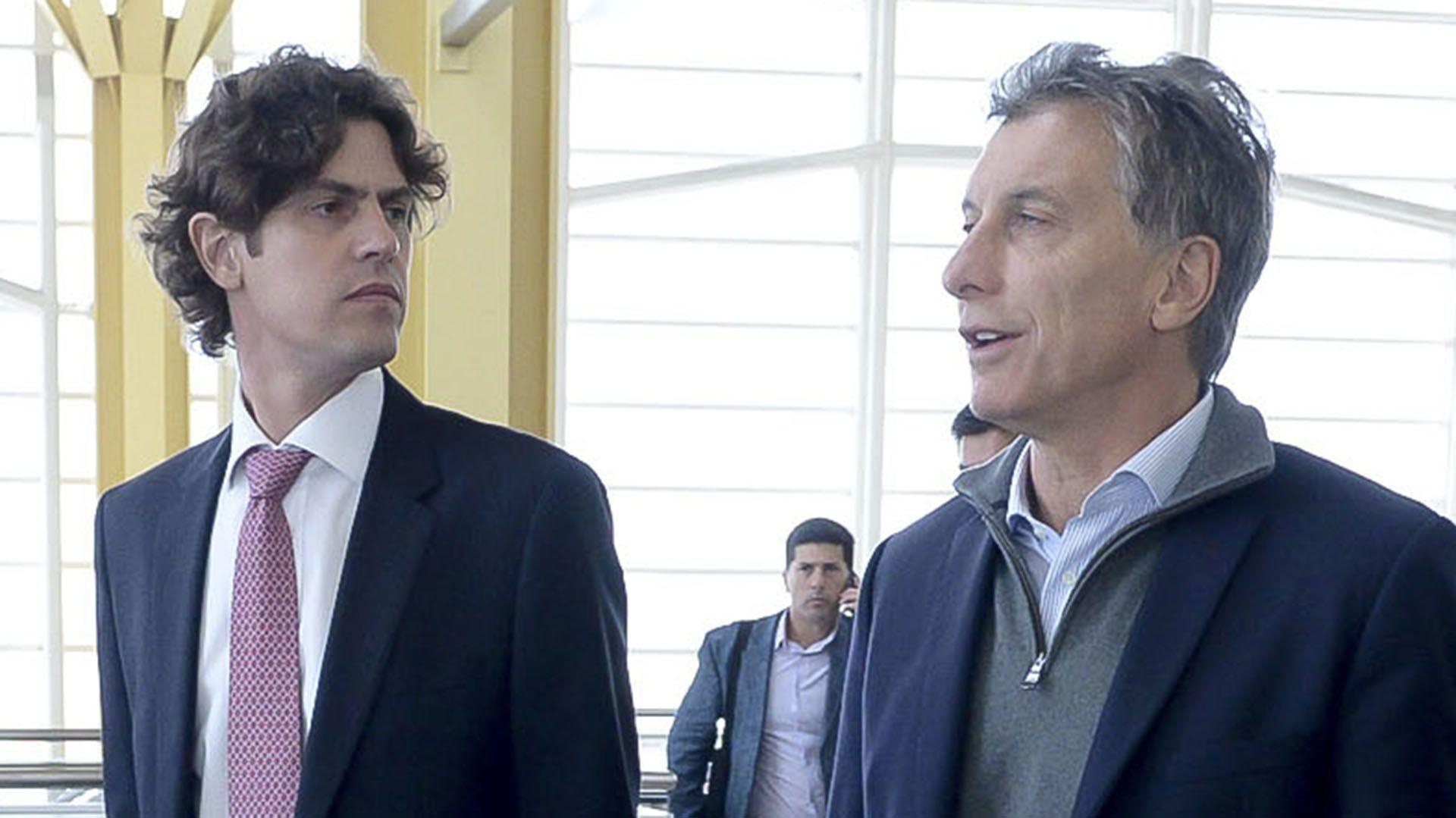 Mauricio Macri y Martín Lousteau, en el aeropuerto internacional de Washington-(NA)