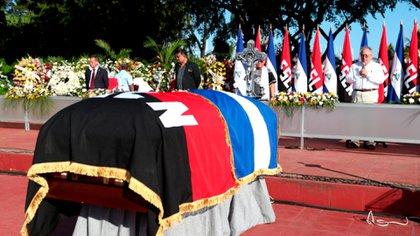 Se esperaba que Daniel Ortega apareciera en los actos fúnebres de su antiguo camarada, el diputado Jacinto Suárez. Ni él ni su familia se hicieron presentes. (Tomada de 19 Digital)