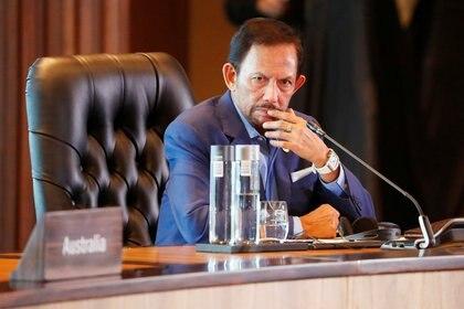 El sultán de Brunei Hassanal Bolkiah en la cumbre del Foro de Cooperación Económica Asia-Pacífico en Port Moresby, Papua Nueva Guinea, en noviembre pasado (Foto: REUTERS/David Gray)