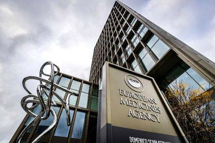 La Agencia Europea del Medicamento podría ser la primera en autorizar el uso de la vacuna de Johnson & Johnson el mes de febrero. EFE