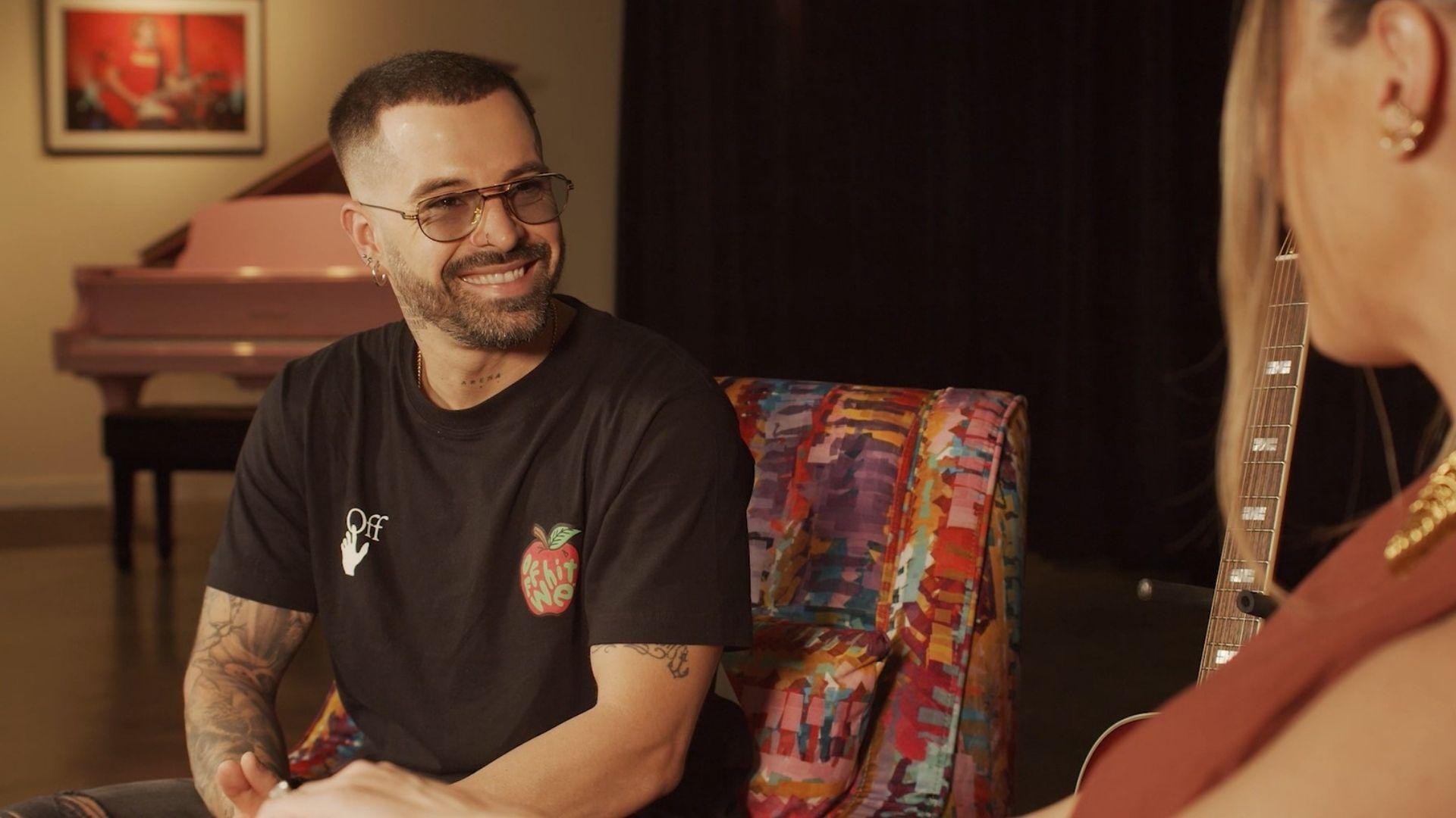 Mike Bahía habló con Infobae sobre su nuevo sencillo 'La Rutina'.
