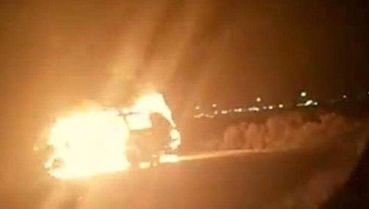En distintos puntos de Ciudad Juárez fueron incendiados varios vehículos (Foto: Twitter)