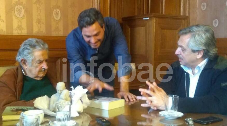 """Con """"Pepe"""" Mujica, en la visita de Alberto Fernández a Uruguay para ver al ex Presidente"""