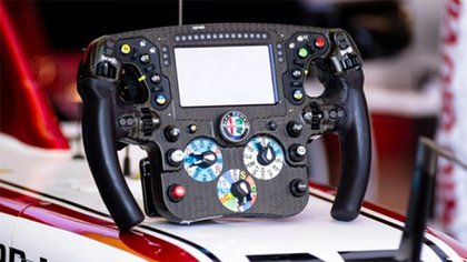 El volante del auto de Carlos Sainz