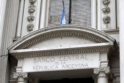 Edificio del banco central de Argentina en Buenos Aires, Foto de archivo  Oct 16. (REUTERS/Enrique Marcarian)
