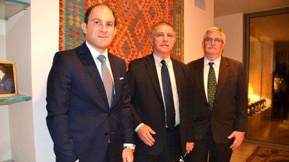 Mariano Caucino, Daniel Carmon y Shmulik Bass, el director del Departamento para America Latina de la Cancilleria israeli