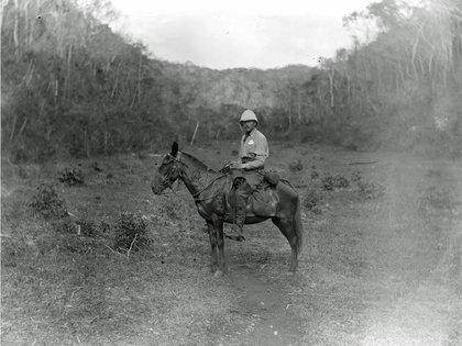 Durante la última década del siglos XIX, Alfred Maudslay, recorrió varias zonas en donde florecieron comunidades mayas como Yaxchilán, Chiché Itzá y Palenque. En todas ellas realizó registros fotográficos y una gran cantidad de moldes de yeso. (Foto: Google Arts & Culture)