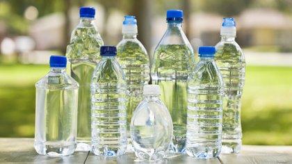 Los riesgos de reutilizar la botella (iStock)