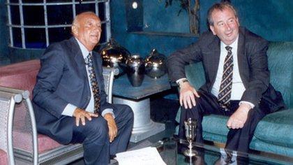 Con el ex presidente de la AFA Julio Grondona