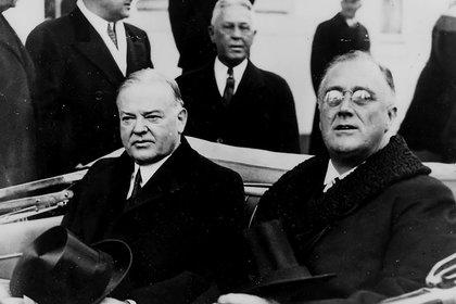 Herbert Hoover y Franklin D. Roosevelt en 1933 (Creative commons)