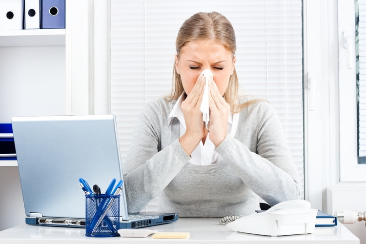El abuso de esta medida de confort expone al cuerpo a mayor susceptibilidad para desencadenar dolor de garganta, rinitis, tos y broncoespasmos (iStock)