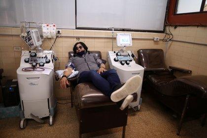 Horacio Sabatini, dona plasma luego de recuperarse de COVID-19 - REUTERS/Agustin Marcarian