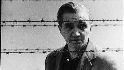Aleksander Kulisiewiecz, compositor polaco y sobreviviente de los campos nazis, que sacó al mundo la música que hicieron las víctimas de la Shoah. (Museo del Holocausto de Washington DC, cortesía de Aleksander Kulisiewicz)