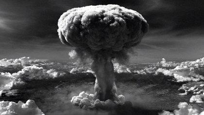 """El """"hongo"""" de la bomba atómica sobre Hiroshima"""