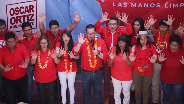 Oscar Ortiz, tercero en las encuestas. Candidato a presidente por Bolivia Dice No. en la presentación de sus candidatos al congreso, en Tarija