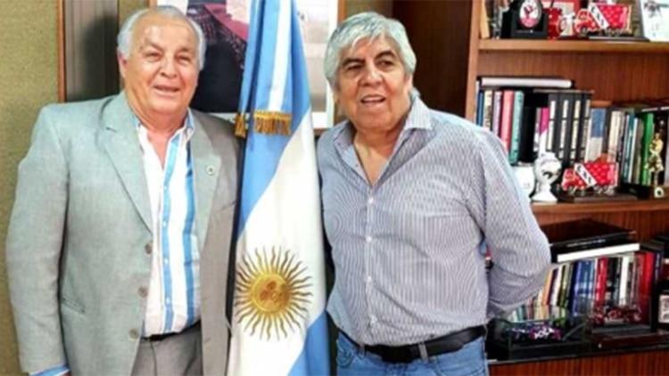 Herme Juárez, junto a Hugo Moyano