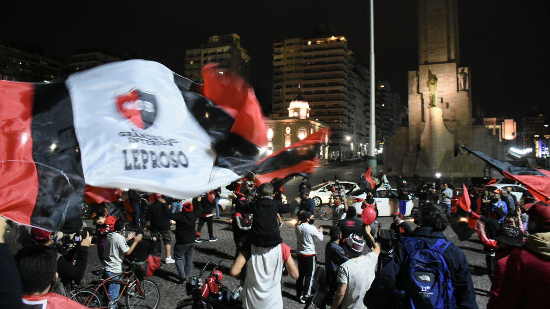 Caranava de hinchas de Newell's por Messi en Rosario