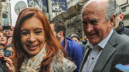 Cristina Kichner y Oscar Parrilli (Télam)