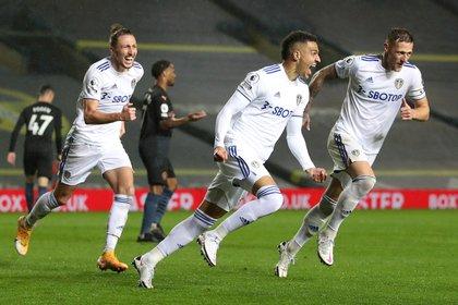 El español Rodrigo Moreno se destapó y el Leeds rescató un punto ante el City (REUTERS/Catherine Ivill)