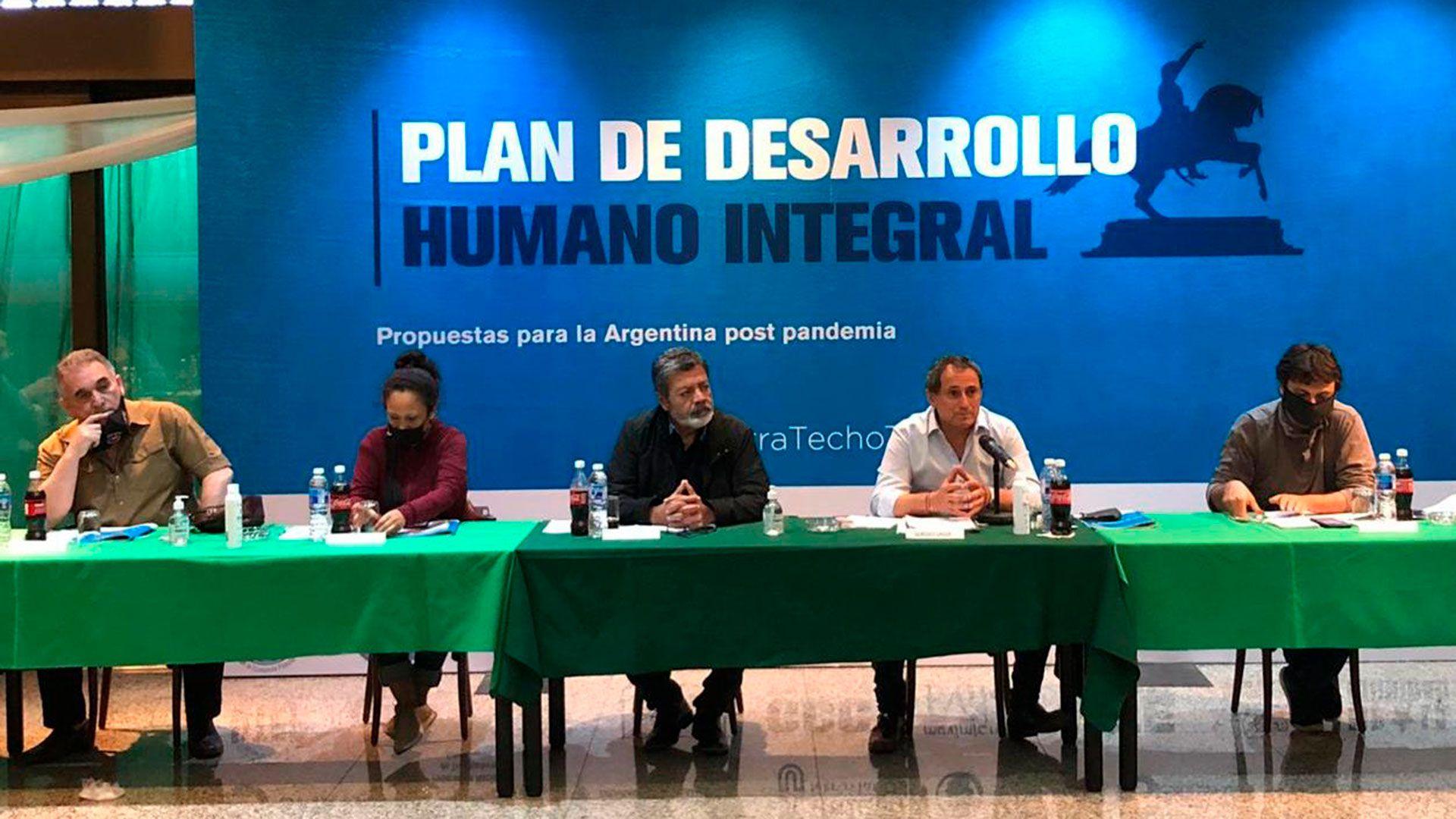 Sindicalistas y dirigentes sociales se reunieron en la Unión Ferroviaria para analizar el Plan de Desarrollo Humano Integral