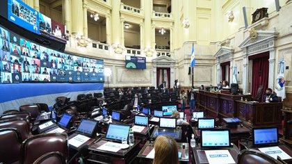 También se aprobó el proyecto que modifica la Ley 26.815 de Manejo del Fuego.