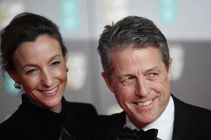 Anna Elisabet Eberstein y Hugh Grant en los BAFTA 2020 (Reuters)