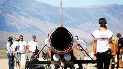 Momentos previos a la fatídica prueba. El cohete de Combs alcanzaba los 52.000 caballos de fuerza.