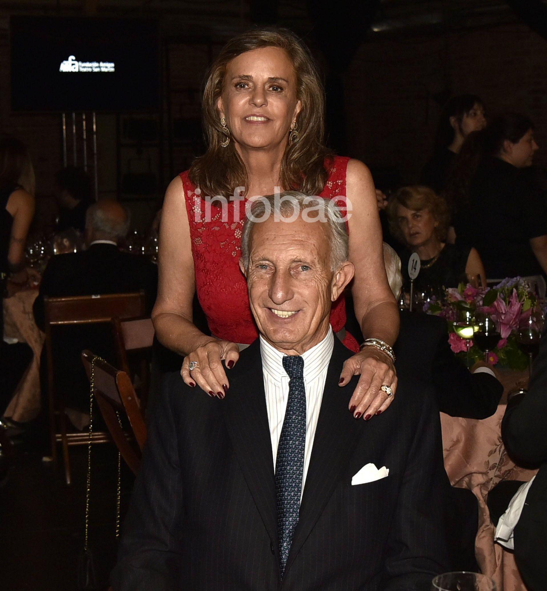 Gala Teatro San Martin Jorge Neuss esposa Silvia Saravia marca