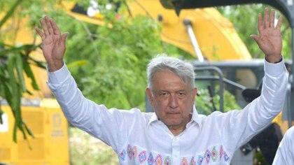 Castañeda señaló que el documento referido pretende sacar al gobierno del poder (Foto: Cortesía Presidencia)