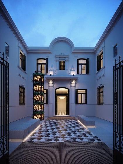 Imponente el patio interior del Palacio Cabrera, sobre la calle palermitana del mismo nombre. Inspirado en los años ´30 cuenta con planta baja y primer piso, y un nuevo volumen de tres pisos donde se ofrecerán unidades de 1 y 2 dormitorios, y lofts