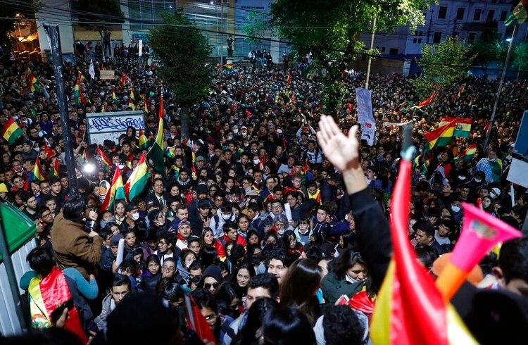 Manifestantes marchan en Bolivia contra los resultados de las elecciones (AP /Jorge Saenz)