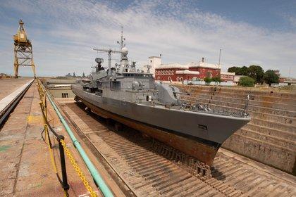 Luego de más de 100 años de construidos, los diques del Ingeniero Luiggi siguen brindando sus servicios a los buques de la flota militar. En este caso al destructor ARA