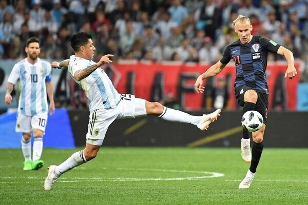 Enzo Pérez redondeó una buena primera etapa (Foto: AFP / Dimitar DILKOFF)