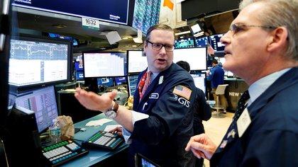 Wall Street abrió en baja tras confirmarse que Donald Trump contrajo coronavirus (EFE/ Justin Lane/ archivo)