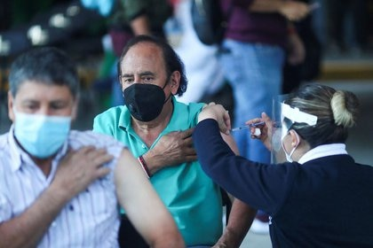 México ya rebasó las 9 millones de dosis de vacunas contra COVID-19 aplicadas (Foto: Henry Romero/REUTERS)