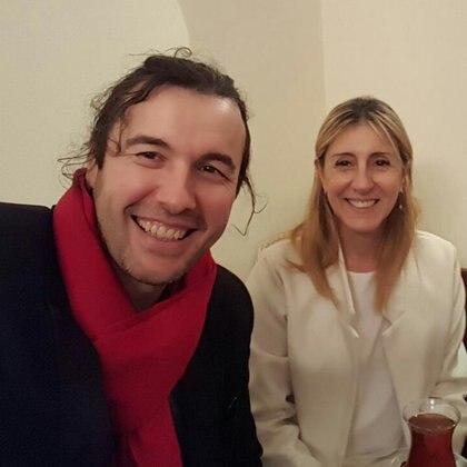 Ergün Demir junto a María De Cicco