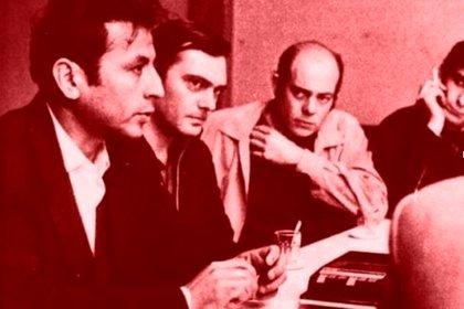 Mario Santucho y a su lado Benito Urteaga y Enrique Gorriarán Merlo