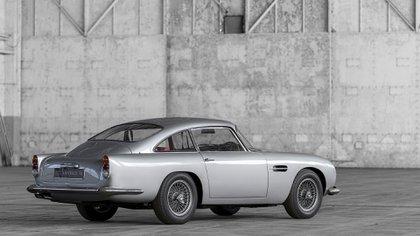 """El DB4 Vantage que usó James Bond en la película """"Goldfinger""""."""