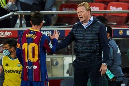 Lionel Messi apoya al entrenador Koeman, pero todavía no definió si seguirá en el Barcelona (EFE)