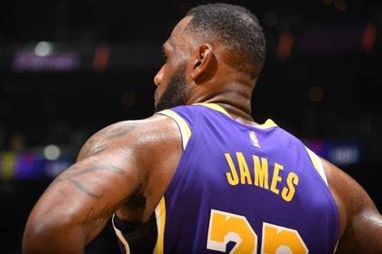 LeBron James aspira a conquistar nuevamente un anillo de la NBA (AFP)