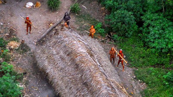 Masacraron a diez miembros de una tribu ancestral y absolutamente aislada del Amazonas
