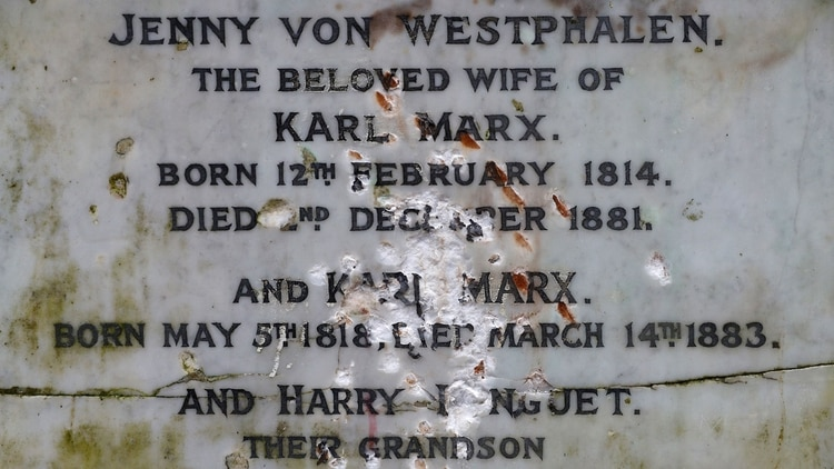 Así fue atacada la tumba el pasado 4 de febrero (Reuters)