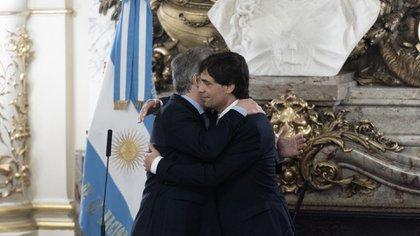 Lacunza y Macri en la jura del nuevo ministro, esta mañana