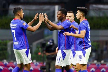 Cruz Azul buscará avanzar a los cuartos de final de la Liga de Campeones de Concacaf, el próximo martes, contra el Arcahaie (Foto: EFE/José Méndez)