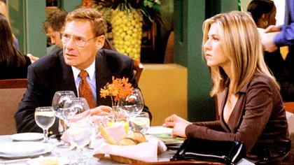 """Ron Leibman y Jennifer Aniston en uno de los cuatro episodios en los que el actor apareció en """"Friends"""""""