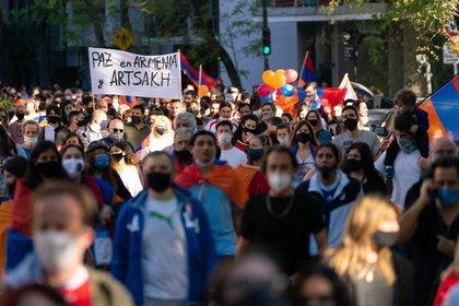 Marcha comunidad Armenia - Embajada Turquia y Azerbaiyán 10/10/20 (Foto: Franco Fafasuli)