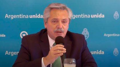 Alberto Ferrnández, ayer en La Rioja, al anunciar que suspendía el viaje a Catamarca, por precauciones vinculadas al coronavirus.