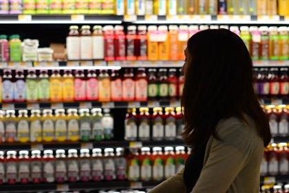 Al menos 14 bebidas energéticas en México rebasan la recomendación diaria de azúcar (Foto: Pixabay)